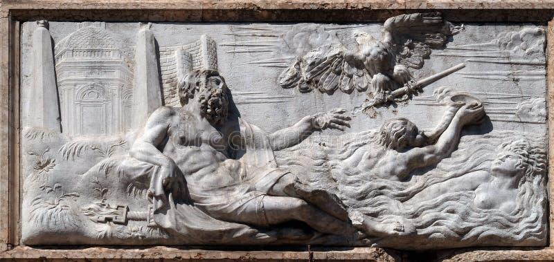 Alegorias da ilha de Chipre, Campanile di San Marco, Veneza imagem de stock royalty free