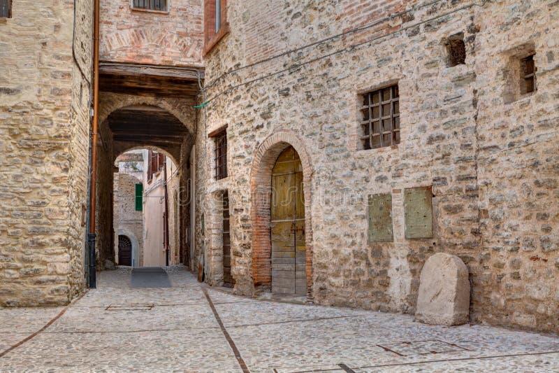 Aleia antiga em Spoleto, Úmbria, Itália imagens de stock royalty free