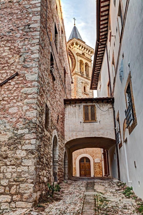 Aleia velha no Trevi, Úmbria, Itália imagem de stock royalty free