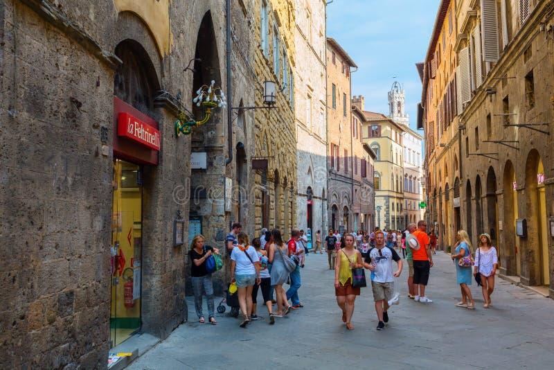 Aleja w Siena, Tuscany, Włochy zdjęcia stock
