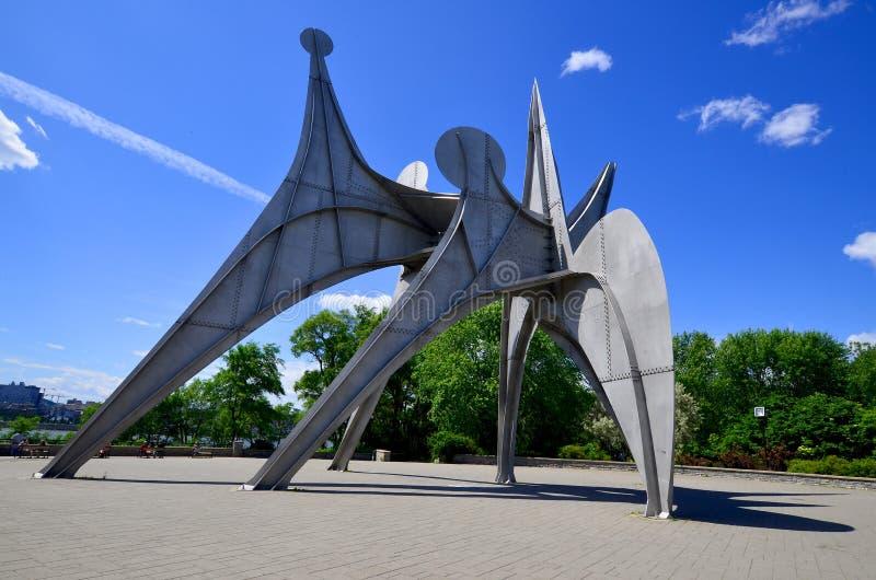 Aleksander Calder rzeźba obrazy stock