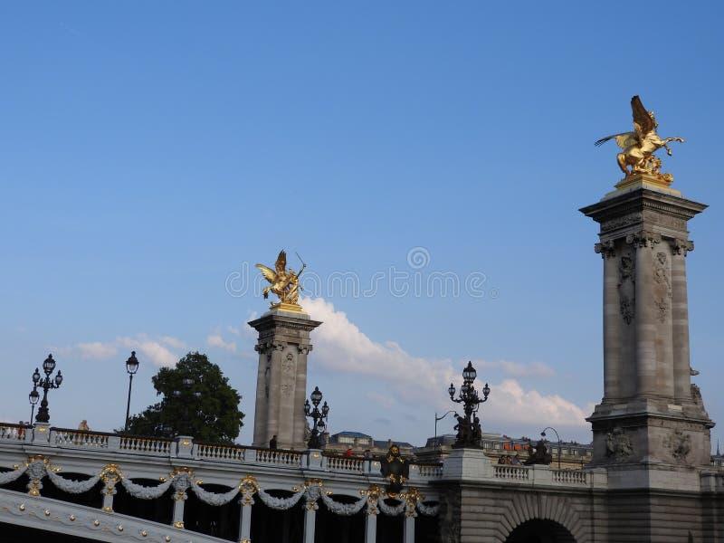 Aleksander III most nad wontonem w Paryż, Francja obrazy stock