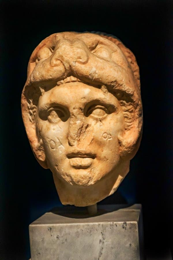Aleksander popiersia Wielka statua Krajowy Archeologiczny Muzealny Athen zdjęcie stock