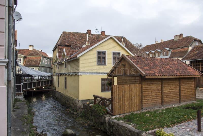 Aleksupiteswaterval in Kuldiga Letland royalty-vrije stock fotografie
