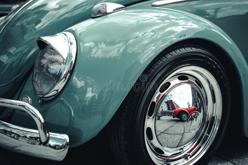ALEMANHA, BOCHUM, O 7 DE MAIO DE 2016 Carro clássico azul retro do vintage imagem de stock royalty free
