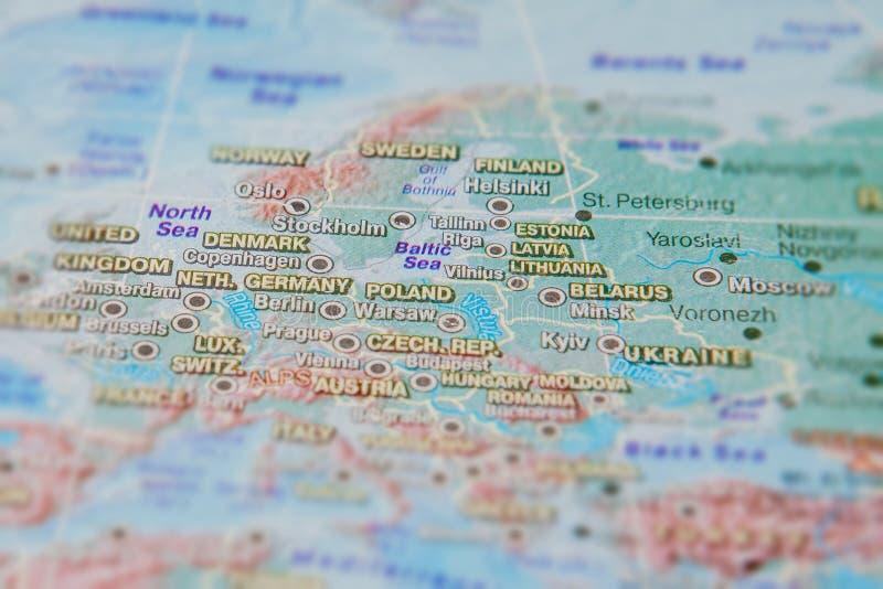 Alemanha, Pol?nia e outros pa?ses de Europa no fim acima no mapa Foco no nome do pa?s Efeito do Vignetting imagem de stock