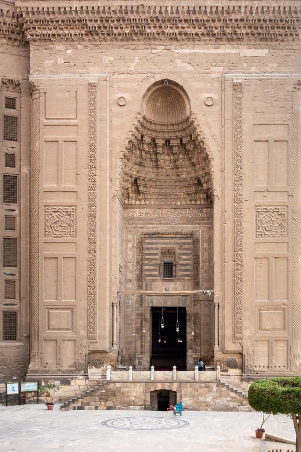 Alen-Rifa ?I och Sultan Hassan f?r tv? mosk?er i Kairo Egypten royaltyfri fotografi