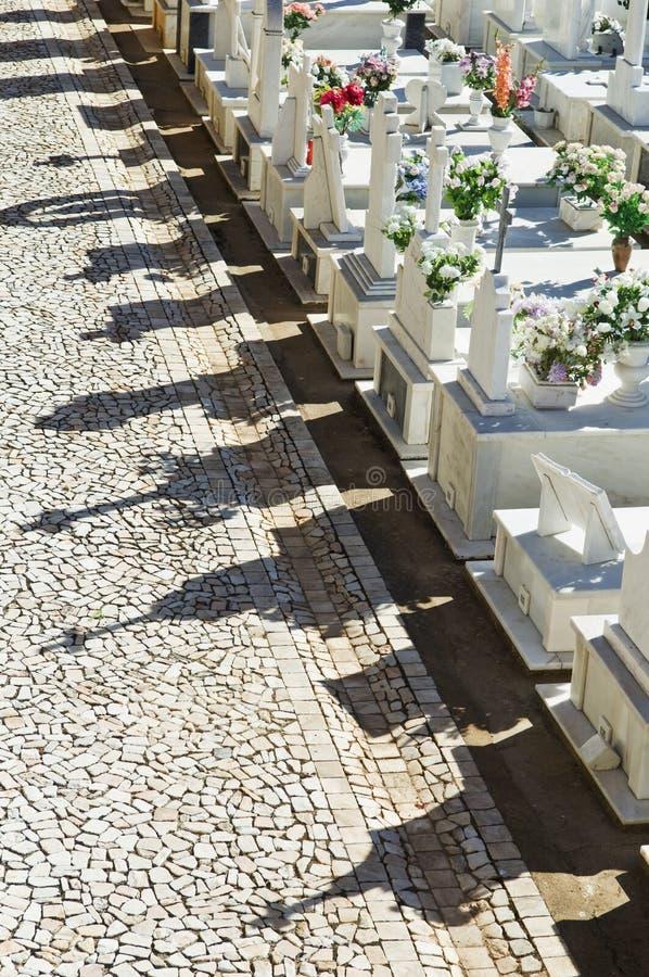 alentejo katolsk kyrkogård portugal arkivbilder