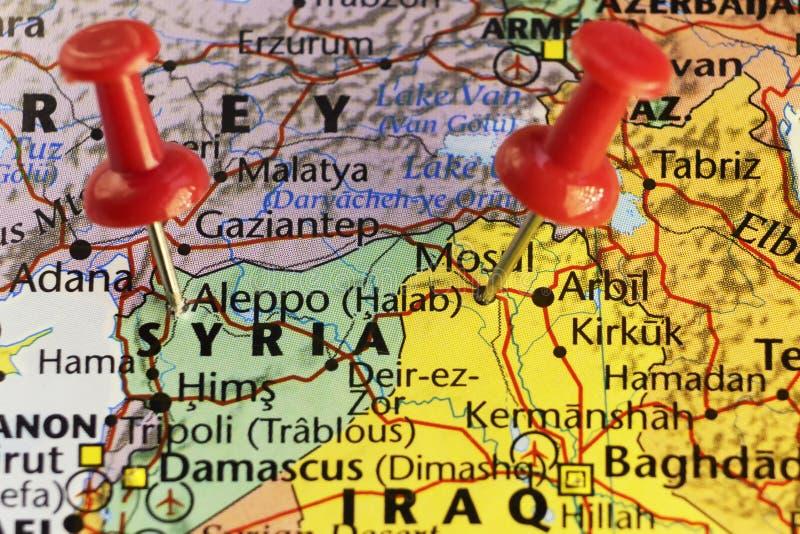 Aleppo i Mosul miasta dokąd wojna wciąż iść dalej ilustracja wektor