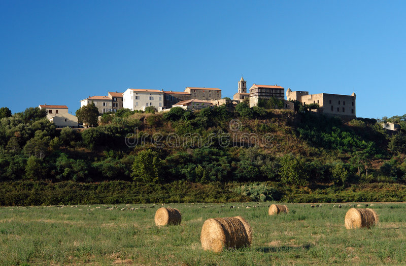 Aleria Korsika Dorf lizenzfreies stockbild