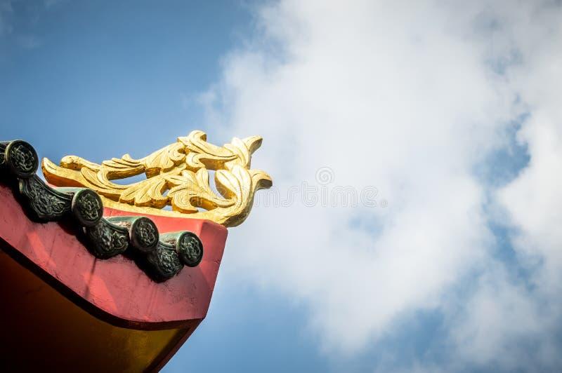 Aleros chinos del templo en Saigon imagenes de archivo