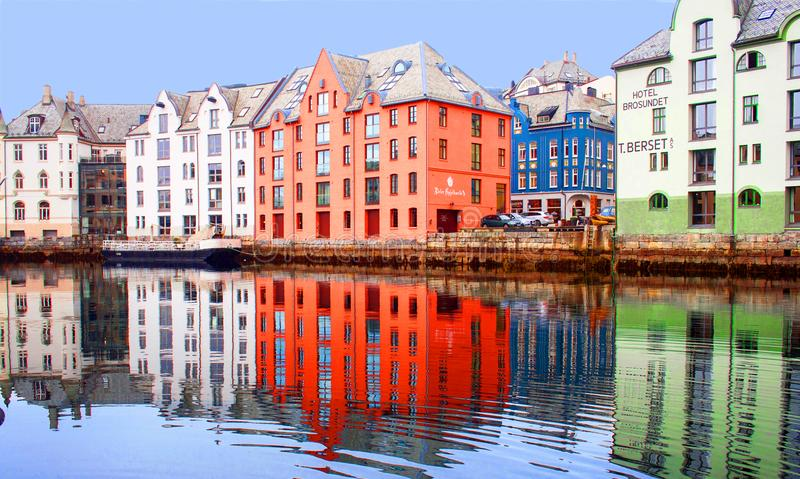 Alesund的,挪威江边 免版税库存图片