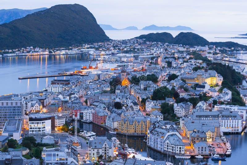 Alesund - a cidade do turista de Noruega fotos de stock royalty free