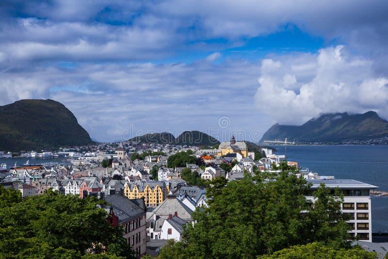Alesund Noruega imagenes de archivo