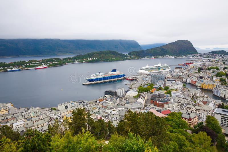 Alesund in Norwegen lizenzfreie stockfotografie