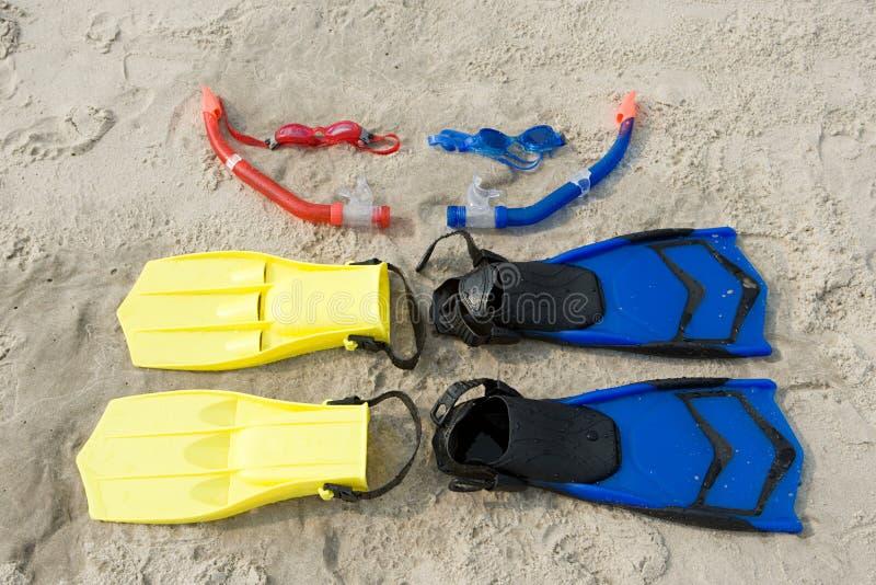 Aletas do tubo de respiração dos óculos de proteção foto de stock