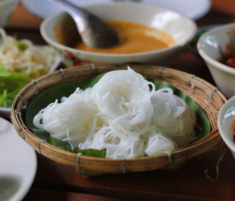 Aletria tailandesa branca do macarronete ou do arroz da farinha de arroz foto de stock royalty free