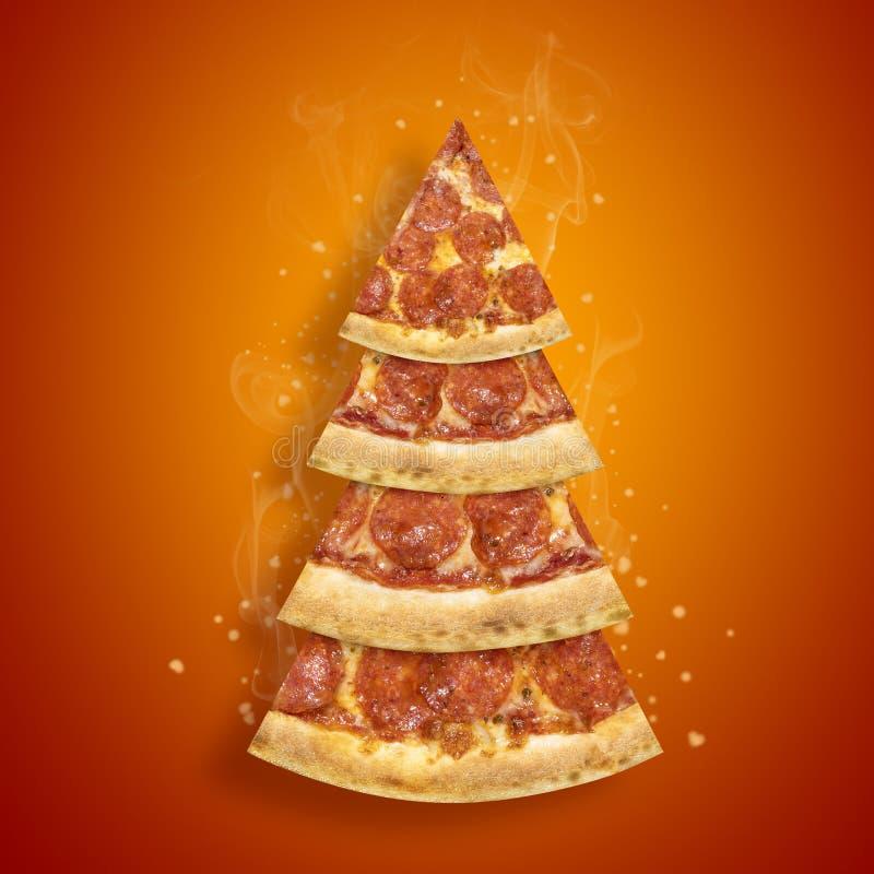 Aletta di filatoio di promozione di Natale con la fetta della pizza di merguez nella forma del fondo arancio dell'albero di Natal fotografia stock