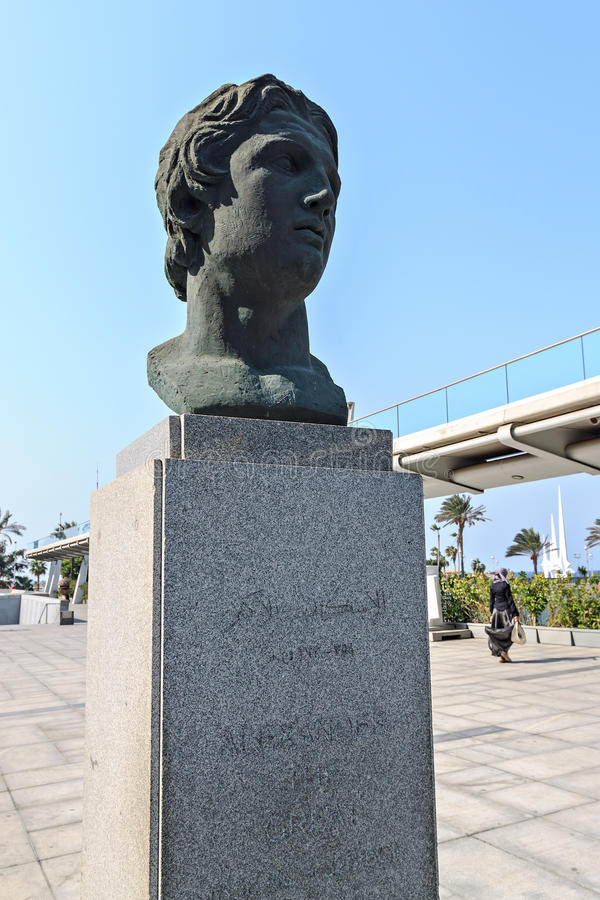 Alexander den stora statyn på det Alexandria arkivet arkivbilder