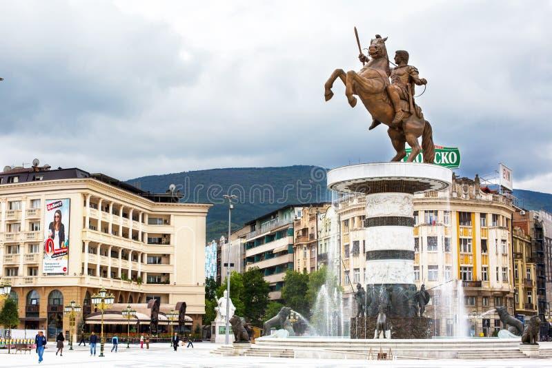 Alexander den stora statyn på huvudsaklig fyrkant in fotografering för bildbyråer