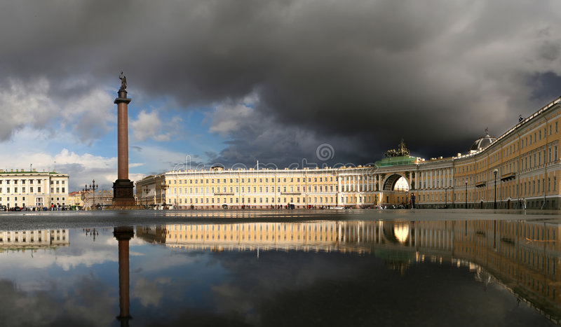 Alexander eine Spalte auf dem Palastbereich stockbilder