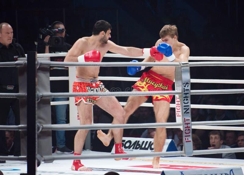 Alexander Mischenko contre Timur Aylyarov photographie stock