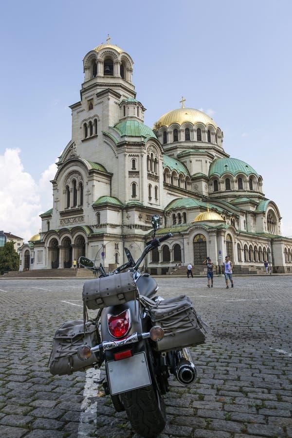 Alexander Nevsky Cathedral op het vierkant in Sofia, Bulgarije stock foto's