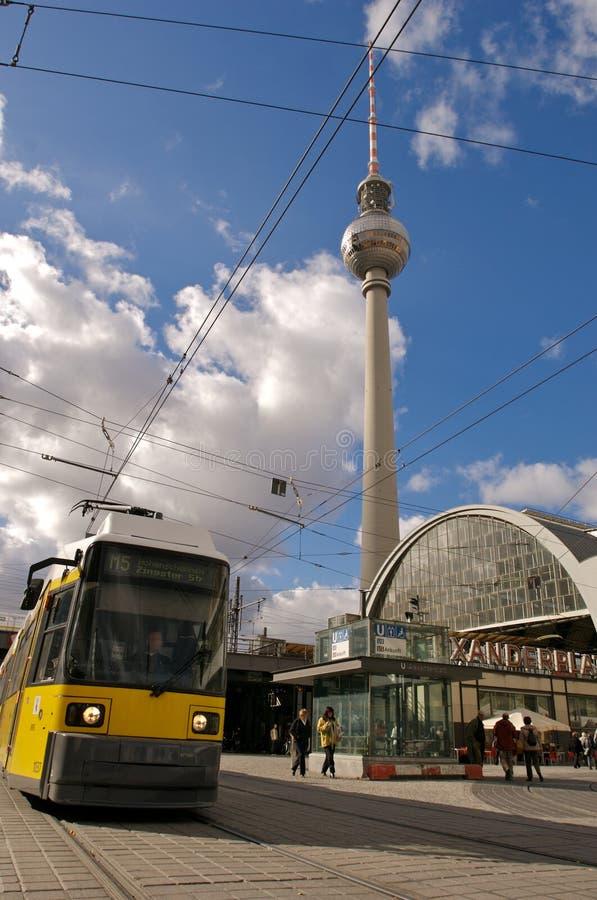 alexanderplatz fernsehturm电车 库存图片