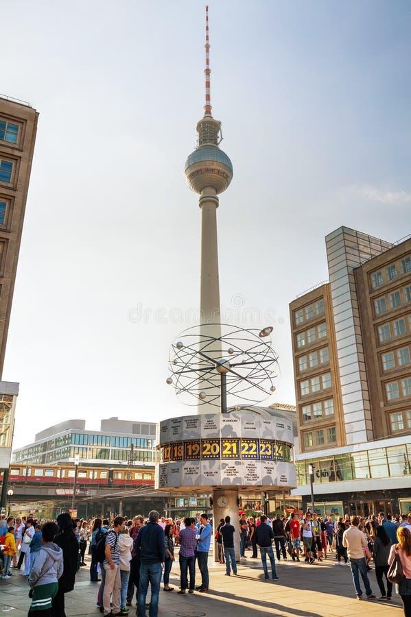 Alexanderplatzvierkant in Berlijn, Duitsland stock foto's