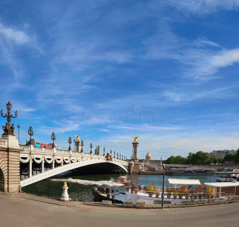 Alexandre Bridge à Paris un jour ensoleillé lumineux photographie stock