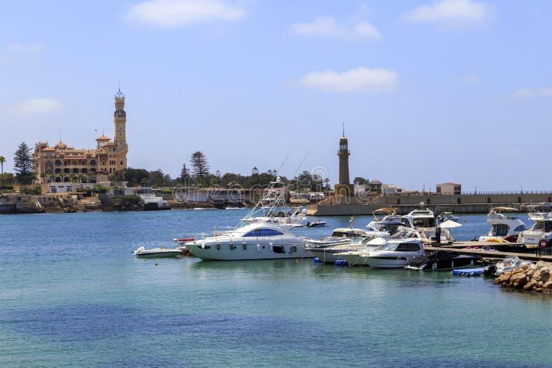 Alexandrië, Egypte - JULI 15, 2015: Boten in Alexandrië stock fotografie