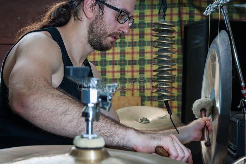 Alexey Bobrovsky melodiskt trumma arkivbilder