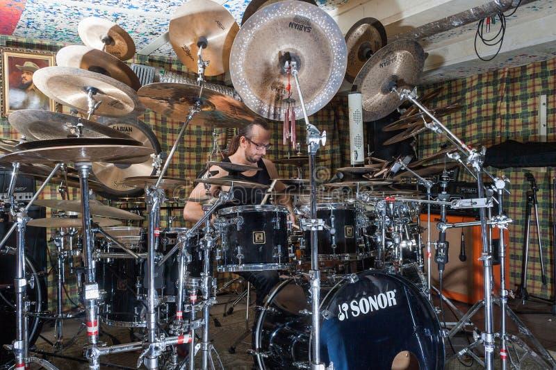 Alexey Bobrovsky melodiskt trumma royaltyfri fotografi