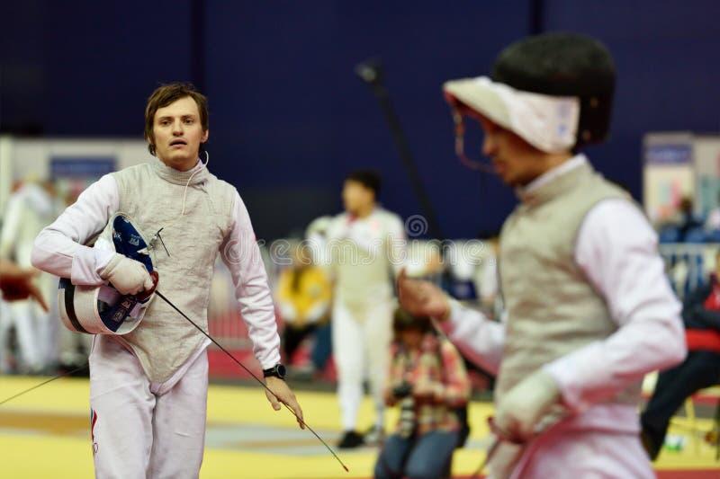 Alexey Cheremisinov tijdens de Internationale schermende Folie 2015 van toernooienst. petersburg royalty-vrije stock foto's