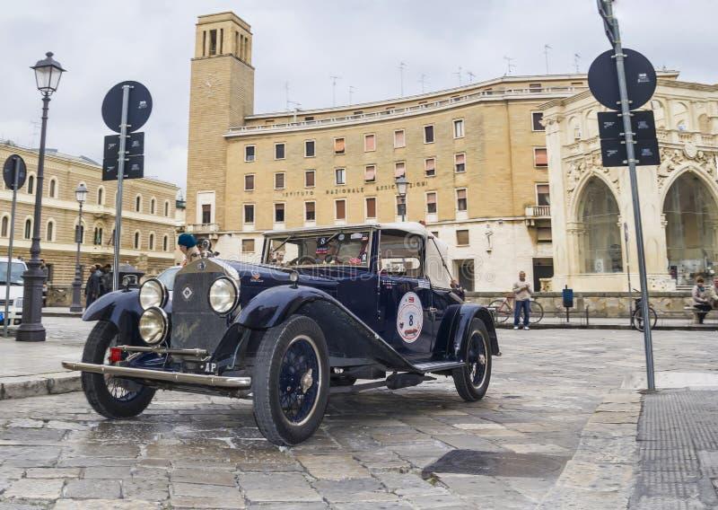 Alfa clássico romeo 6c 1914 do carro do vintage velho imagem de stock royalty free