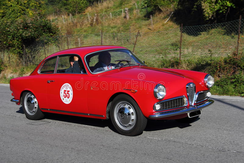 Alfa histórico Romeo Giulietta do carro fotos de stock royalty free