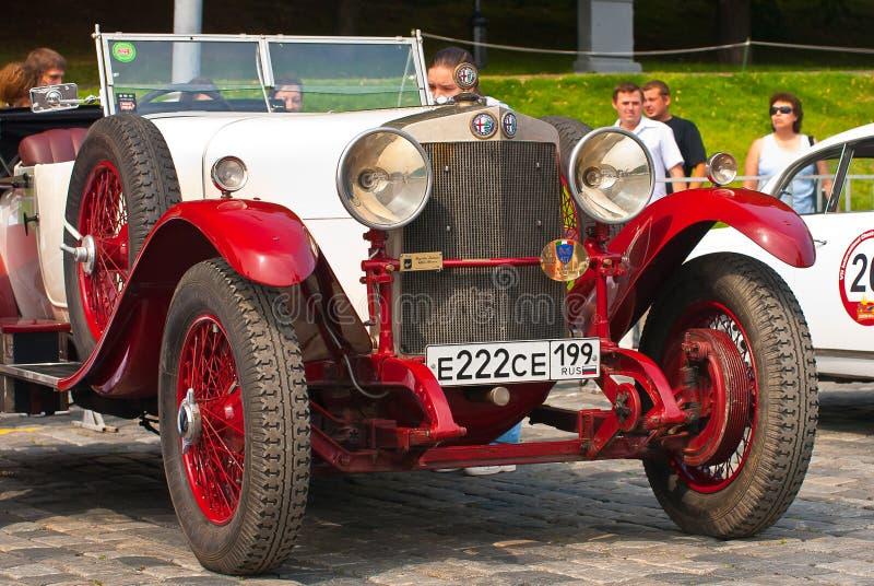 Alfa romeo 24HP do Vermelho-Withe fotografia de stock royalty free