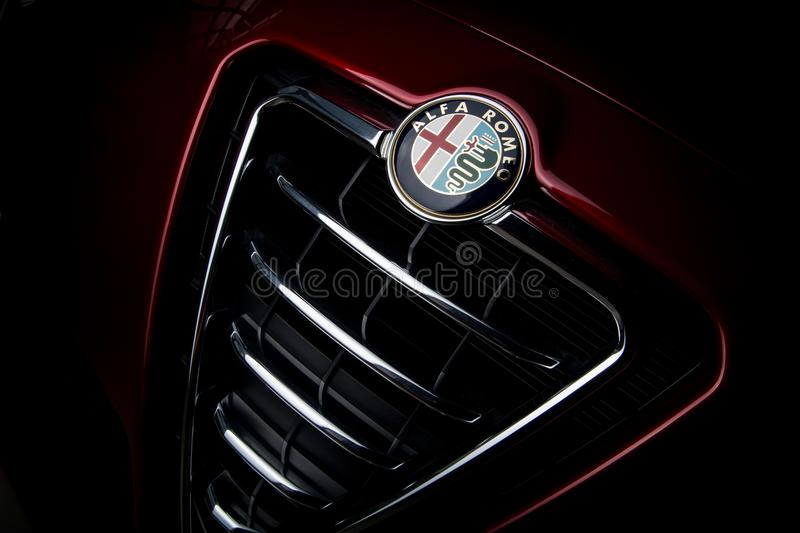 Alfa Romeo Car Badge On Grill foto de stock