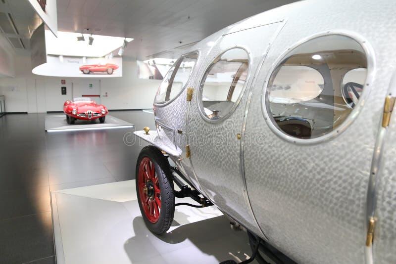 Alfa Romeo 40/60 de modelo de HP Aerodinamica na exposição no museu histórico Alfa Romeo fotografia de stock royalty free
