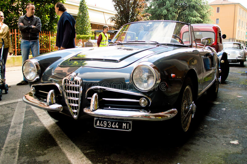 Alfa Romeo Giulietta Spider no la Mille Miglia 2016 de Aspettando foto de stock