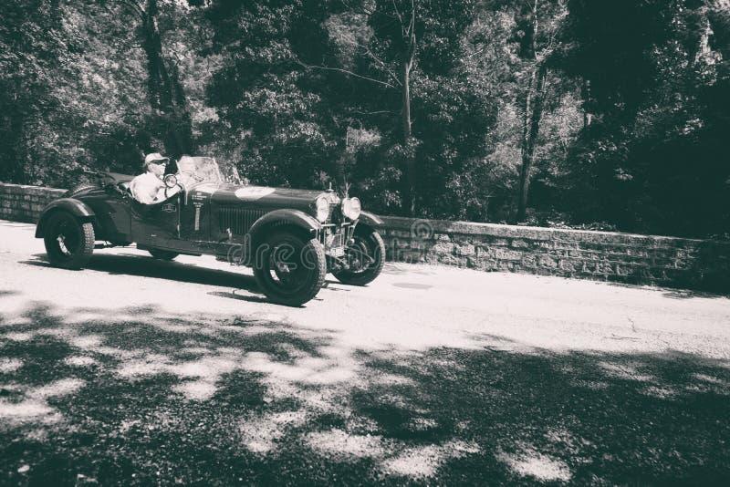 ALFA ROMEO 6 1500 MM 1928 stary bieżny samochód w zlotnym Mille Miglia 2017 sławna włoska dziejowa rasa 1927-1957 na Maju 19 20 zdjęcie royalty free