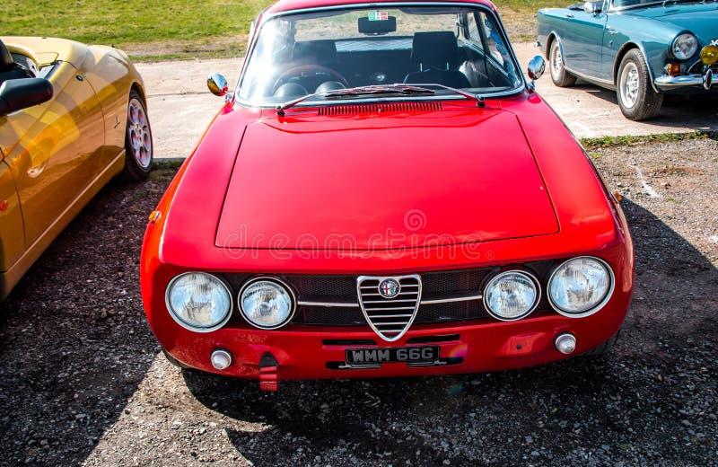 Alfa Romeo rouge classique photographie stock libre de droits