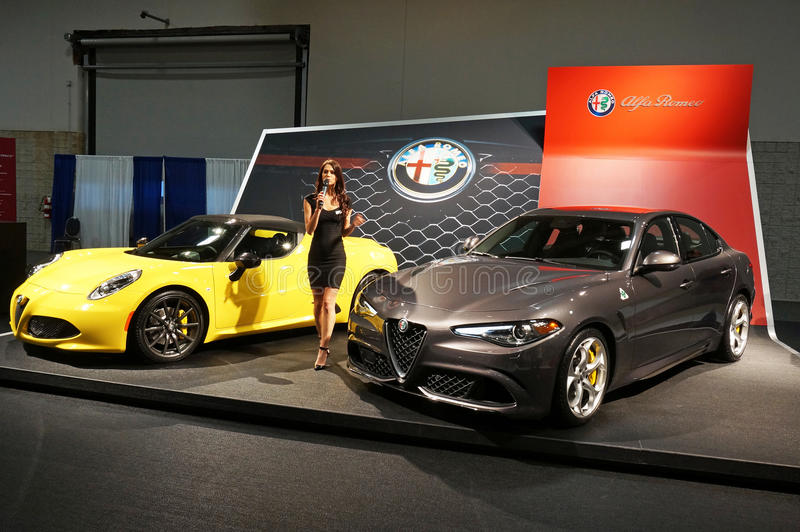 Alfa Romeo Spyder e alfa Romeo Giulia foto de stock