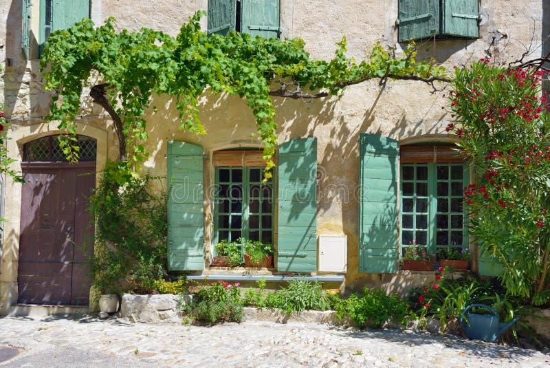 Alface romana do la de Vaison, Provence, França fotografia de stock royalty free
