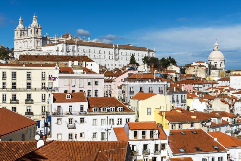 Alfama邻里的看法在里斯本,葡萄牙 免版税库存图片