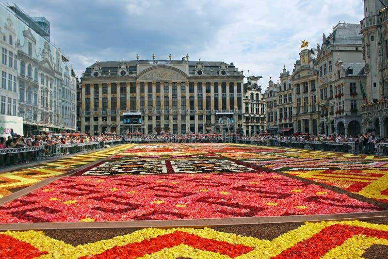 Alfombra de la flor en Bruselas imagenes de archivo