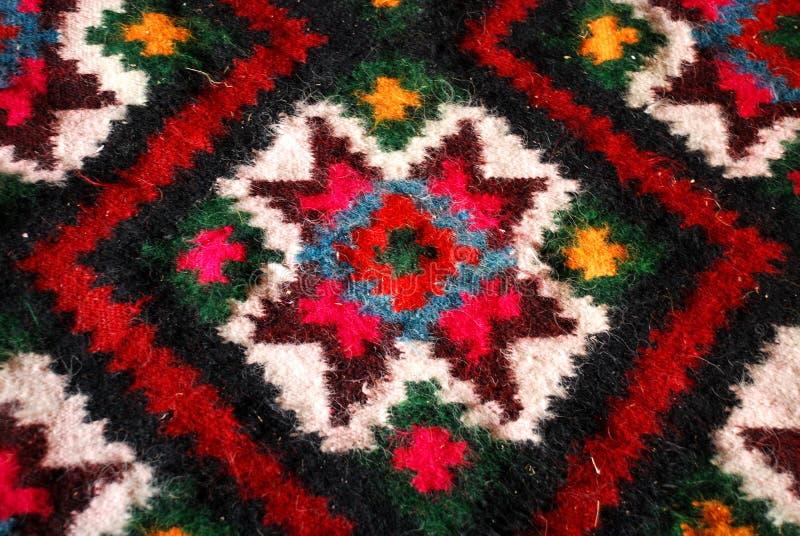 Alfombra tejida colorida foto de archivo libre de regalías