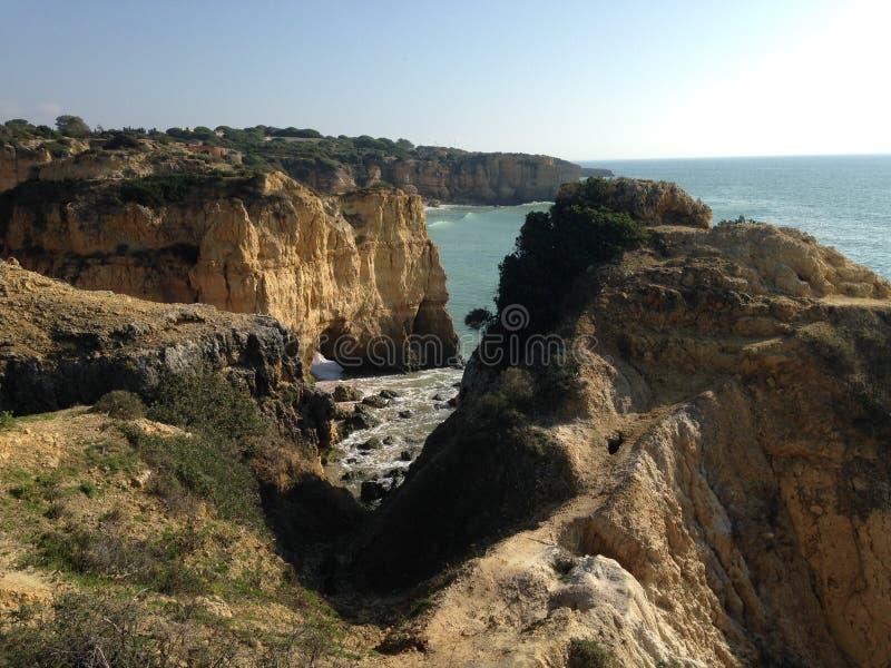 Algarve kust arkivfoton