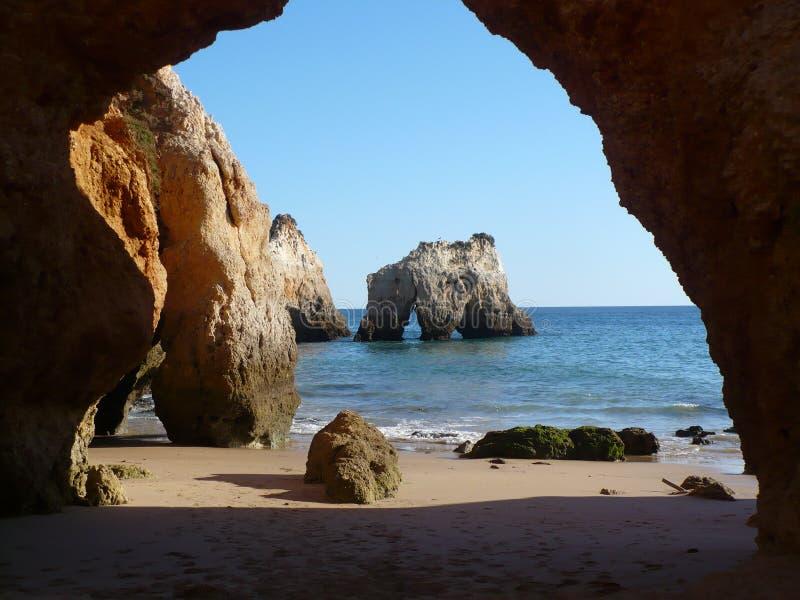 algarve plaży jama zdjęcia royalty free