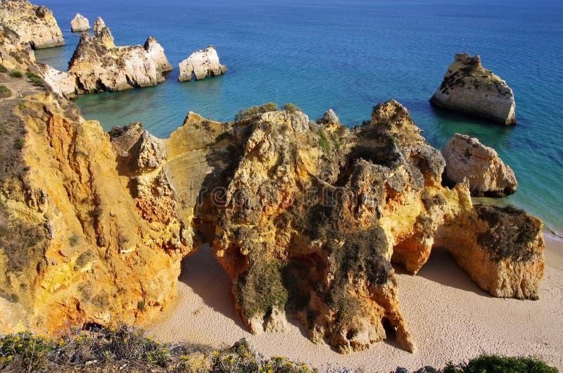Algarve strand Dos Tres Irmaos royaltyfri fotografi